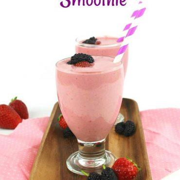 Smoothie με Φράουλες και Μούρα