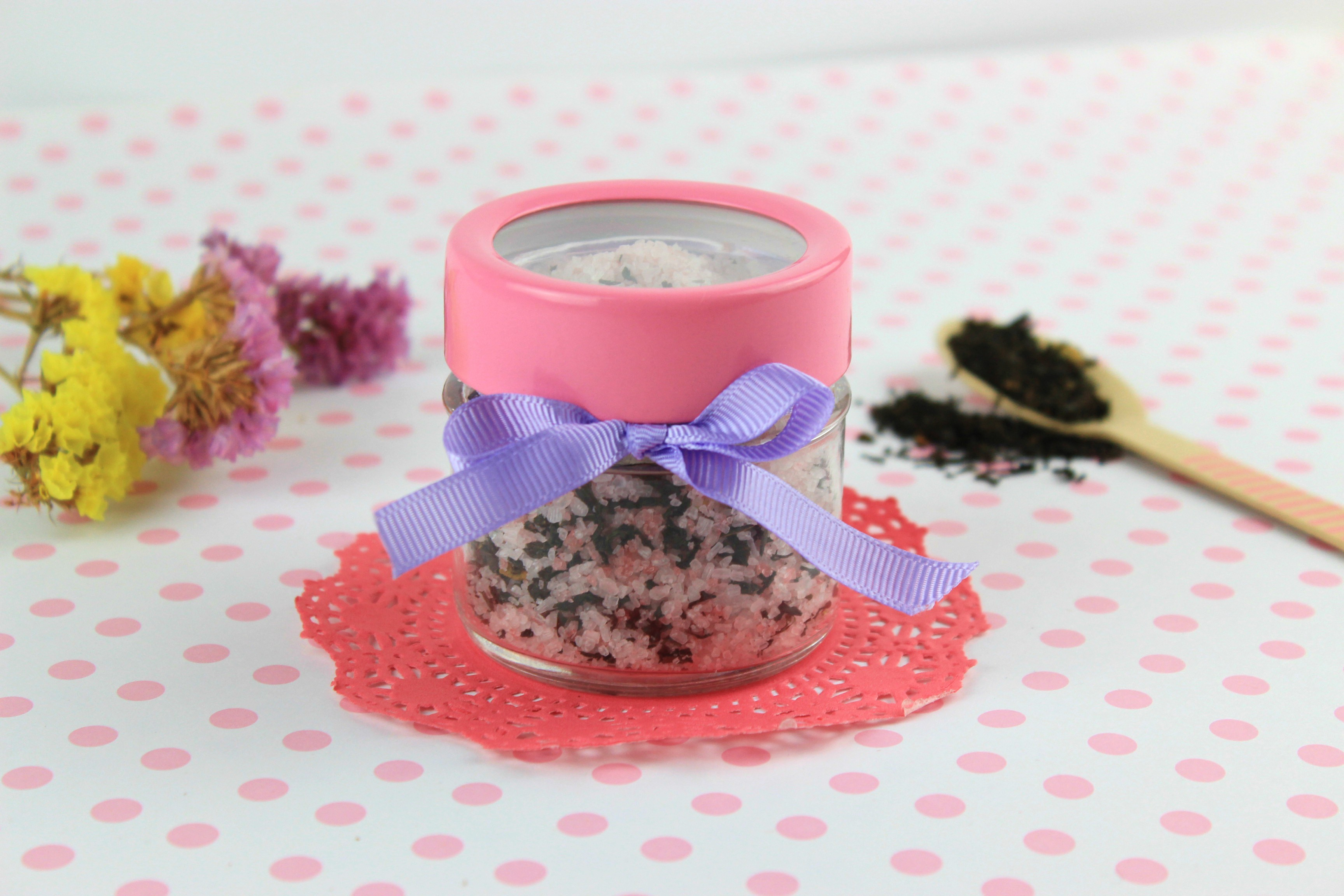 DIY Bath Salts with Aromatic Tea