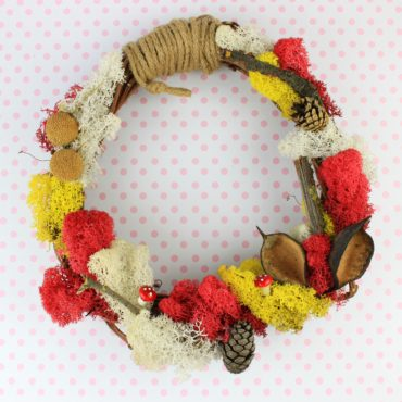 DIY Spring Wreath with Moss!