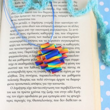 DIY Necklace with Rainbow Drinking Straws