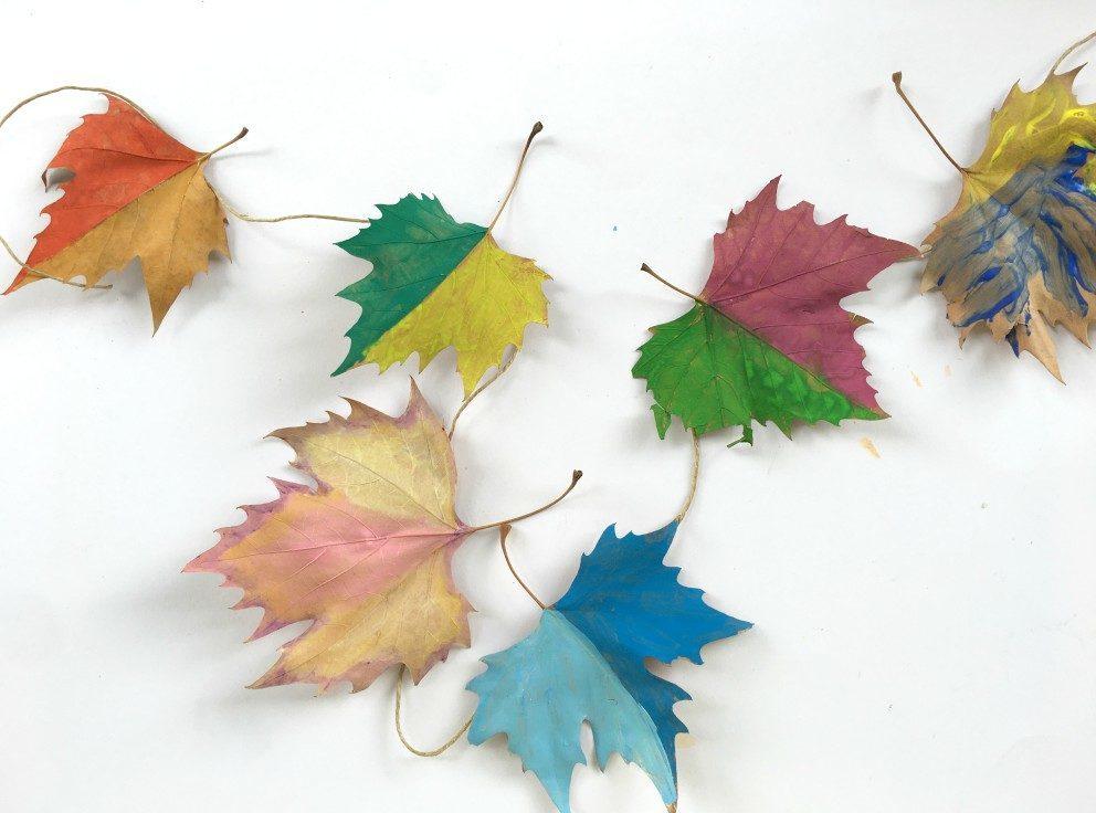 παιδική κατασκευή με φύλλα